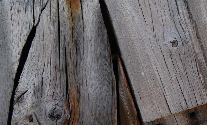 Eine Auswahl beliebter Holzöle für Ihrem Massivholz Esstisch